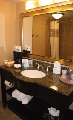 Spacious Bathrooms With Beautiful Granite Countertops! 13 of 16