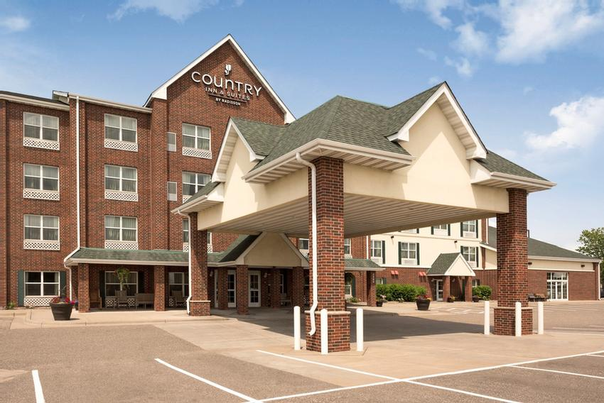 Image of Country Inn & Suites Lino Lakes