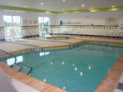 Indoor Pool And Hot Tub 6 of 8