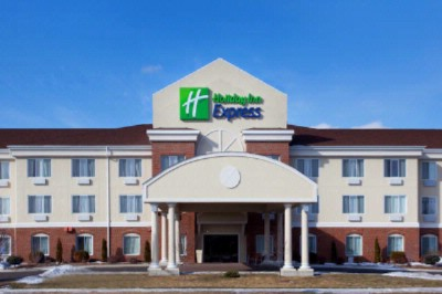 Holiday Inn Express Rochelle 1 of 9