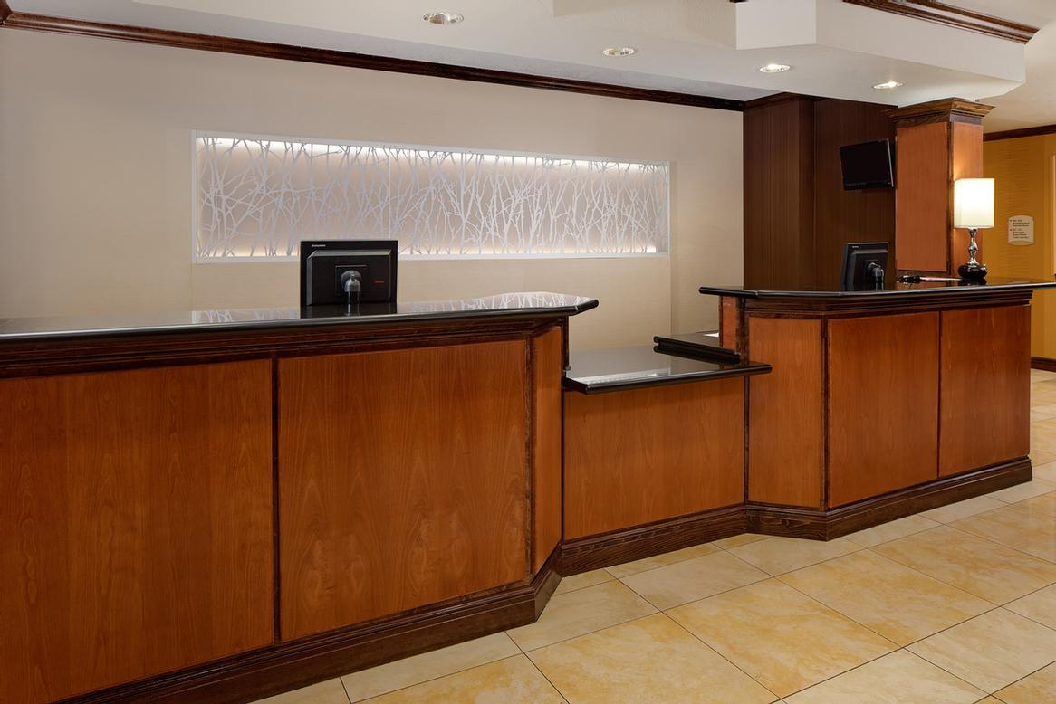 Fairfield Inn & Suites by Marriott Mansfield Relax In Our Comfortable Lobby
