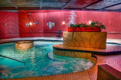 17000 Gallon Jacuzzi 5 of 11