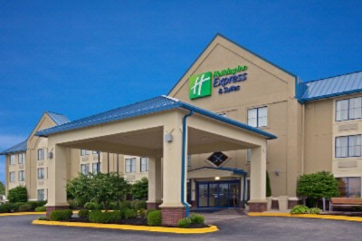 Holiday Inn Express & Suites Scottsburg 1 of 16