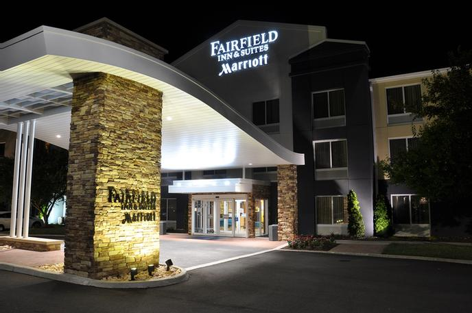 Fairfield Inn & Suites Christiansburg Va 1 of 7
