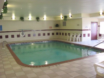 Indoor Heated Pool & Whirlpool 9 of 10
