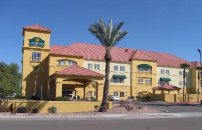 La Quinta Inn & Suites Phoenix I 10 1 of 10