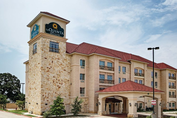 La Quinta Inn & Suites Dfw Airport West Euless 1 of 18