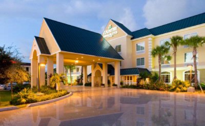 Country Inn & Suites by Carlson Vero Beach I 95 Fl 1 of 9