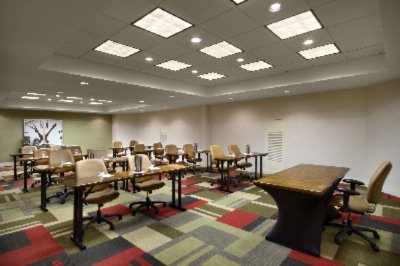 1100sqft Michigan Meeting Room 16 of 21