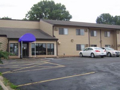 Waconia Inn & Suites 1 of 8