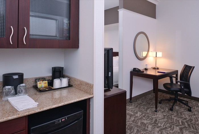 All Of Our Suites Have A Wet-Bar With Microwave Mini-Fridge So You Can Snack On Your Time. 11 of 12