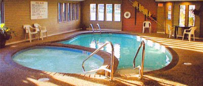 Indoor Pool & Jacuzzi 7 of 9
