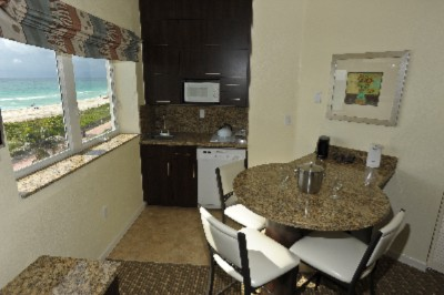 Premium Oceanfront Suite Kitchenette 14 of 26