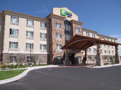 Holiday Inn Express & Suites Denver Airport 1 of 7