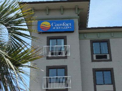 Comfort Inn & Suites 1 of 10