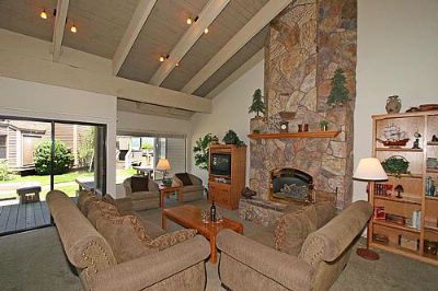 Lakefront Typical Living Room 10 of 12