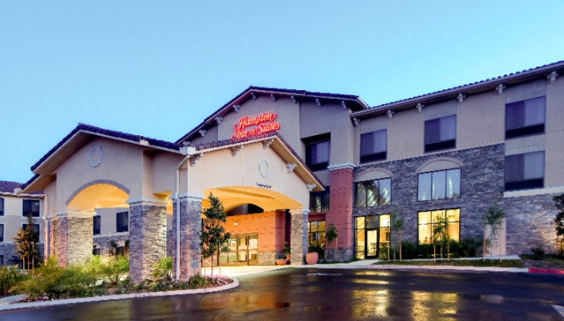 Hampton Inn & Suites Thousand Oaks 1 of 9