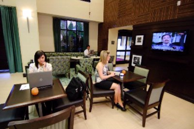 Lobby Offering Free Wifi And High Speed Internet 8 of 9