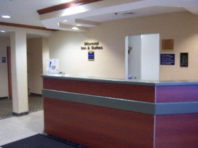 Front Desk 4 of 5
