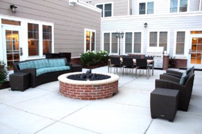 Relaxing Terrace And Patio 7 of 31