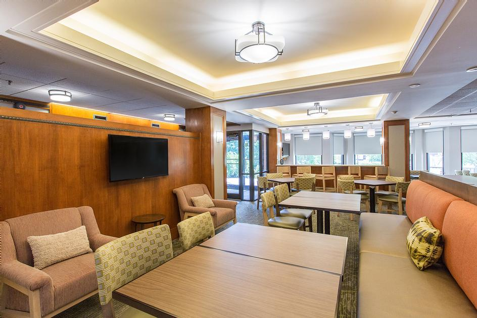 Ample Seating For Breakfast Catching Up On Emails Or Spending Time With Family In Our Perfect Mix Lobby. 4 of 10