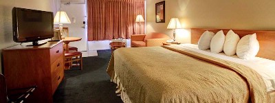 Spacious Guest Rooms With High Speed Internet 7 of 15