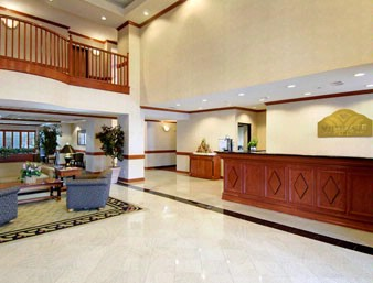 Front Desk / Lobby 4 of 6