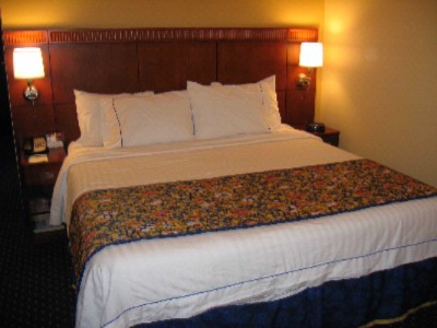 Luxurious King Bed And Marriott Bedding Package 4 of 4
