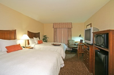 Comfortable Guest Room With Microwave And Refrigerator. 4 of 9