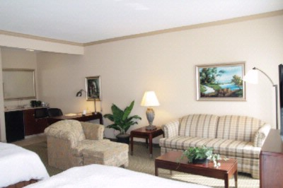 This Spacious Non-Smoking Studio Suite Contains Two Luxurious Queen-Sized Beds 32\'\' Lcd Television Easy To Operate Alarm Clock/radio A Comfortable Desk And Workspace And A Plush Sofa Bed. The High-Speed Internet Access Will Help You Stay Connecte 3 of 21