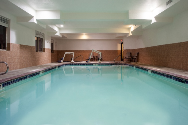 Indoor Heated Pool And Hot Tub 7 of 16