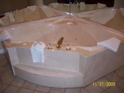 Jacuzzi Tub 5 of 29