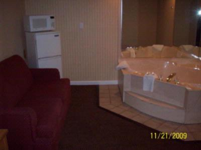 Jacuzz Suite 6 of 29