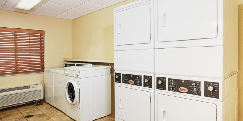 Complimentary Guest Laundry Facility 8 of 13
