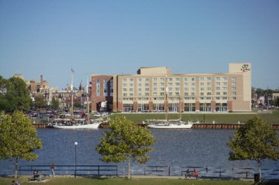 Image of Doubletree by Hilton Bay City Riverfront