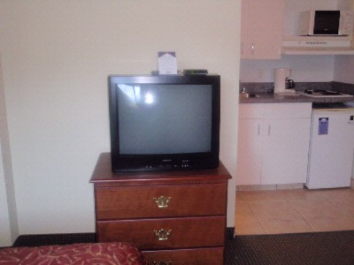 27 Inch T.v. -Free Cable Free Hbo 3 of 7