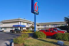 Motel 6 Ft. Sam Houston 1 of 5