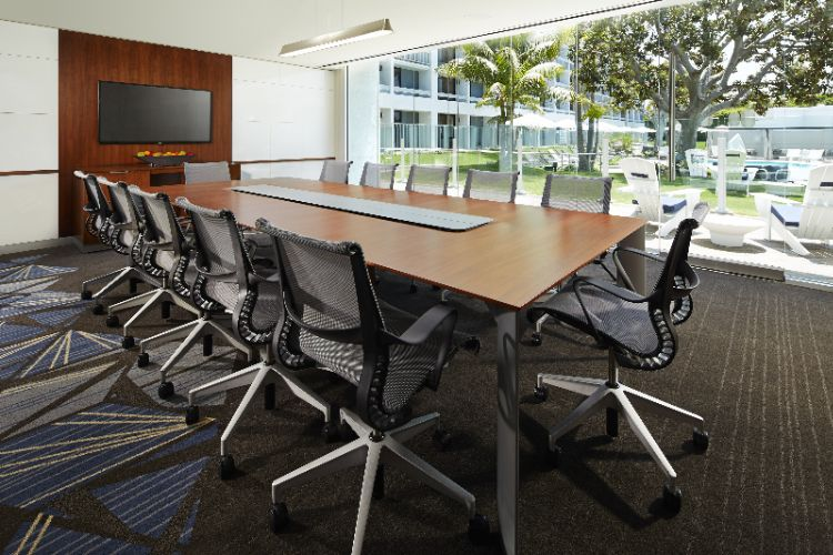 New Pivot Boardroom 10 of 16
