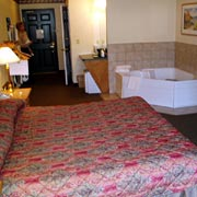 Whirlpool Suite 4 of 6