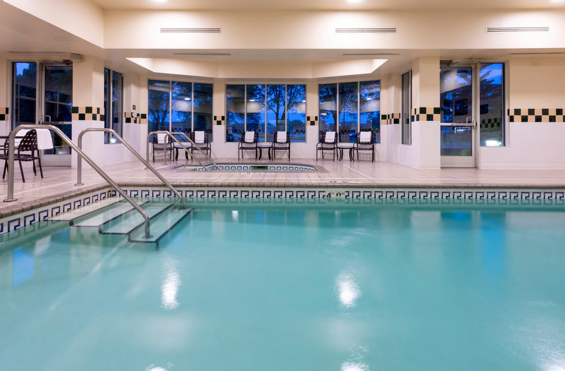 Hilton Garden Inn -Indoor Pool & Whirlpool 11 of 16