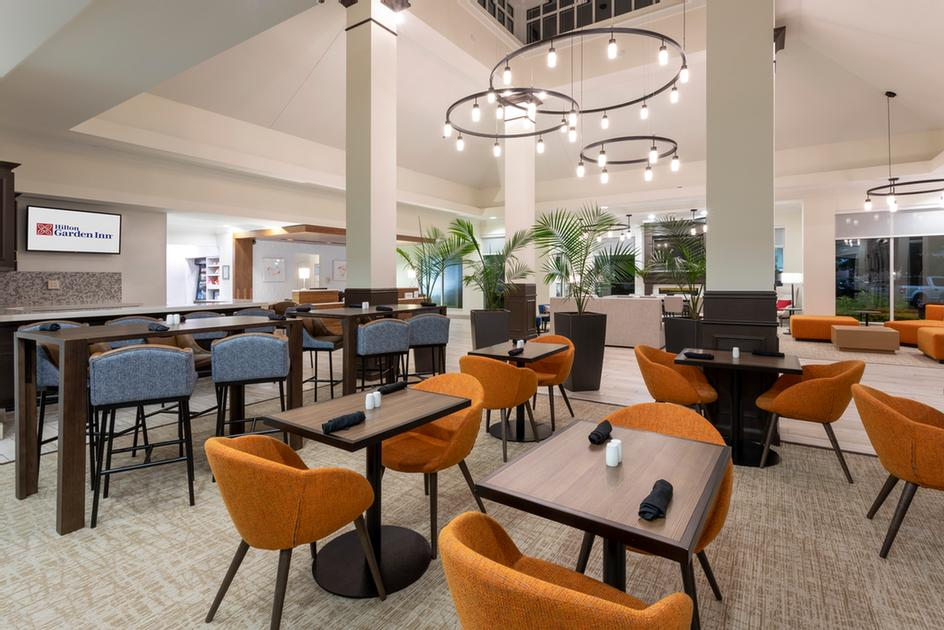 Hilton Garden Inn -Restaurant & Bar 4 of 16
