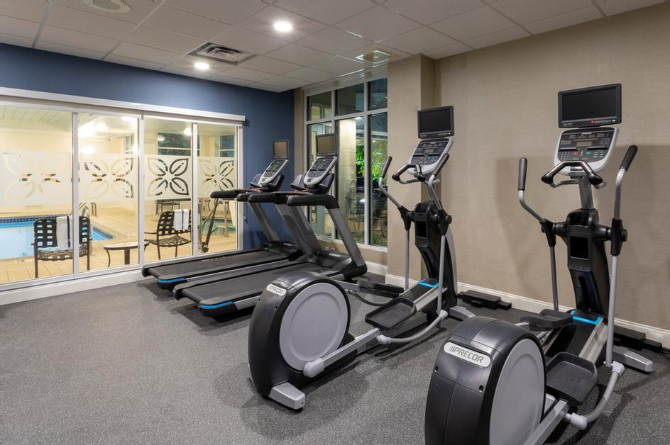 Hilton Garden Inn -Fitness Center 10 of 16
