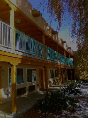 Indian Hills Inn Taos Plaza: First Snow View Of Grandma Willow In Front Of Deluxe King Room 4 of 4