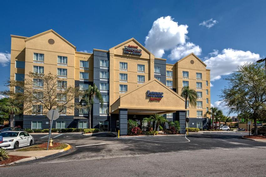 Fairfield Inn & Suites by Marriott Near Universal