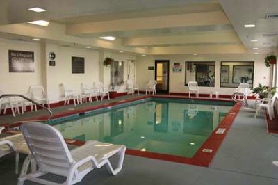 Indoor Swimming Pool 7 of 12