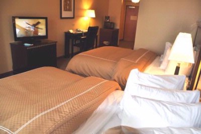 Guest Suite With 2 Double Beds 9 of 12