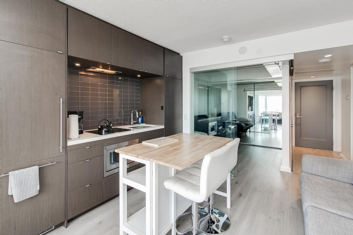 Luxurious Yorkville Suites