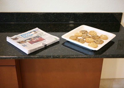 Complimentary Usa Today And Cookies 7 of 31