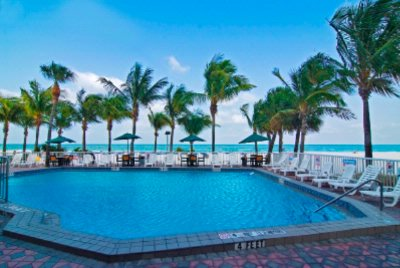 Swimming Pool Overlooking The Beach & Gulf Of Mexico 7 of 9