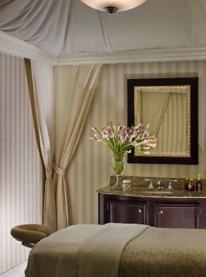 Spa Treatment Room 7 of 15